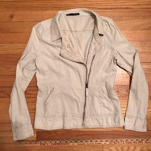 Women's Maurice's Linen jacket w/beautiful detail